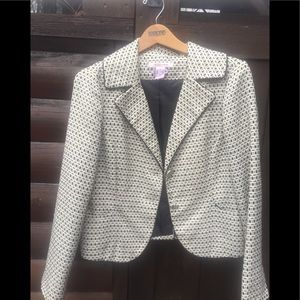 Gorgeous black and cream blazer by NINE & Company